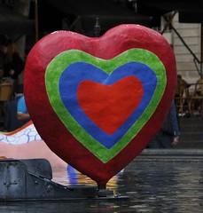Accrochons-nous solidaires et humains (derpunk) Tags: paris nicolas et fontaine indochine solidaires humains strawinski prayforparis accrochonsnous