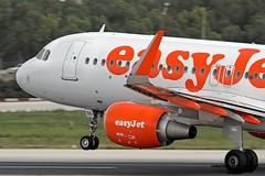G-EZOG LMML 22-10-2015 (Burmarrad) Tags: cn aircraft airline airbus registration easyjet 6541 a320214 lmml gezog 22102015