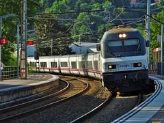 252 (firedmanager) Tags: train tren siemens locomotive donostia locomotora renfe talgo trena 252 trenhotel renfeoperadora surexpreso