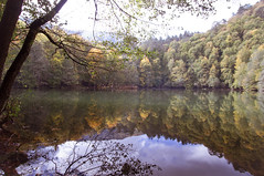 Yedigller 13 ; Autumn Festival (oskaybatur) Tags: autumn lake reflection fall nature turkey landscape october pentax trkiye bolu manzara turkei 2015 ekim sonbahar yedigller sigma1770 justpentax pentaxart pentaxkr oskaybatur