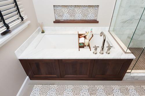 Alameda Drive Bath 004