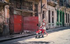 Streets of Havana - Cuba (IV2K) Tags: havana habana lahabana cuba cuban tuba caribbean street child carraige centro centrohavana centrohabana castro sony sonyrx1 rx1
