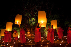 Yi Peng Loy Krathong Ceremony, Chiang Mai, Thailand (klauslang99) Tags: travel photography klauslang thailand yi peng loy krathong festival lanterns monks buddhism religion