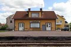 Lundsbrunn 2013-05-26 (Michael Erhardsson) Tags: lundsbrunn vgj 891mm sklj 2013 maj station stationshus smalspår järnvägsstation