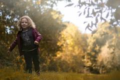 Malys (Floriiinephotography) Tags: autumn leaves littlegirl photography october