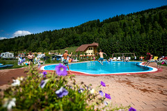 Ikarus_4850-2719371972-O (gebetsroithercamping) Tags: campingbellaaustria campingplatz pool