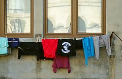 _DSC8423 (adrizufe) Tags: durango fachadas ventanas windows colada durangaldea aplusphoto adrizufe adrianzubia basquecountry bizkaia d7000 nikon nikonstunninggallery ngc urban otoo autumn