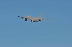 'RRF37' (KRF37) LHR-DEL (A380spotter) Tags: takeoff departure climb climbout gearinmotion gim airbusdefencespace a330 200 200mrtt multiroletankertransport voyager voyagerkc3 zz336 airtankerserviceslimited tow 7v no101squadron royalairforceraf rrr rr unitedkingdomroyalvipflight rrf krf rrf37 krf37 lhrdel runway27l 27l london heathrow egll lhr