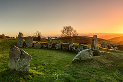 Sunrise from Ballymacdermot court tomb (Pastel Frames Photography) Tags: ballymacdermot court tomb newrycoarmagh northernireland sunrise country side stones history sun trees clear sky