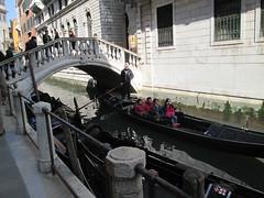 pont (fredvetu) Tags: pont gondole venise italie voyageur visiteur touriste gondolier