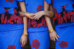 Festival girls - Pakokku, Myanmar (Maciej Dakowicz) Tags: asia myanmar pakokku festival girls fashion dresses