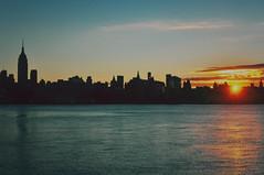 (Virginia G.) Tags: newyork nyc skyline sunrise hudsonriver hoboken newjersey unitedstates usa