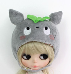 Totoro plush hat for Blythe