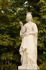 Statue d'Anne de Bretagne  Jardin du Luxembourg (cl_p) Tags: paris statue patrimoine jardinduluxembourg marronnier annedebretagne