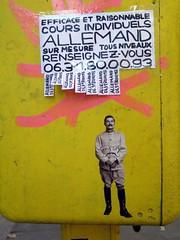 wirksam und vernünftig (YOUGUIE) Tags: streetart paris sticker bal boiteauxlettres petitesannonces coursdallemand leopipo leoetpipo