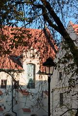 Latarnie jesienne (Hejma (+/- 4500 faves and 1,4 milion views)) Tags: park trees red green leaves poland polska krakw cracow zielony planty czerwony licie drzewa wiatocie barwyjesieni chairscuro coloursoftheautumn