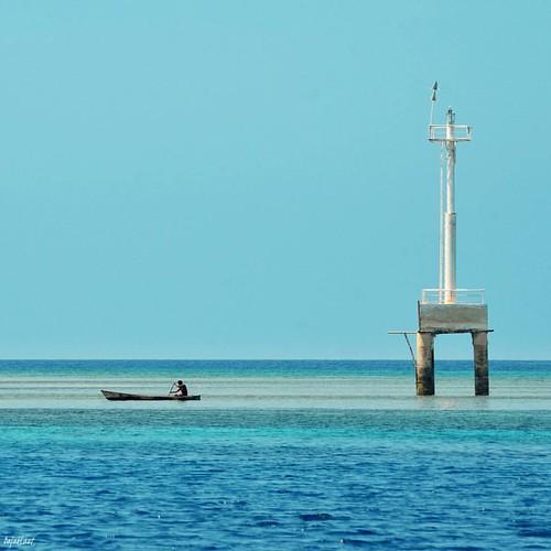 Lianglolong - Pantar Island   #pantarisland #mercusuar #canoo #sea #bluesea #beach #alor #bajaklaut #adventure #working #landscape #summerparadise #pesonalor #pesonaindonesia #bahari #wonderfulindonesia