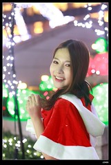 nEO_IMG_DP1U0864 (c0466art) Tags: christmas light cute girl smile face canon square happy store eyes colorful pretty bright sweet gorgeous taipei lamps feeling lovely charming decroration 1dx c0466art  department