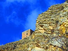 Albarracn (Teruel) (sebastinaguilar) Tags: 2016 teruel aragn castillos fortalezas murallas roca acantilado espaa