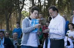 Mariano Rajoy en la entrega de carnets a los nuevos afiliados (Partido Popular) Tags: pp partidopopular rajoy marianorajoy aragon dadelafiliado