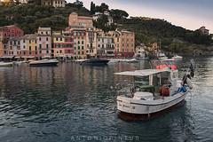 PORTOFINO (APINTUS) Tags: barca pescatore peschereccio portofino case paese liguria 5 terre costa mare italia