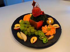 Geburtstagsfruchtteller (Sophia-Fatima) Tags: frchte teller geburtstag birthday fruits plate kerze candle
