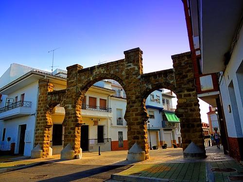 <Paso a la calle Mesón> Alozaina (Málaga)