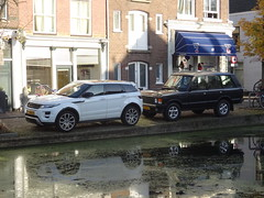 New and Old Range Rover (harry_nl) Tags: netherlands nederland 2016 delft rangerover evoque 71xgr2 25npd5 sidecode7 rcar