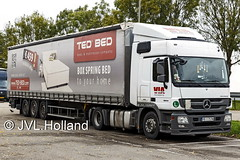 Mercedes Actros 1844  BG  VIA  'TED BED' 161027-060-c1 JVL.Holland (JVL.Holland John & Vera) Tags: mercedesactros1844 bg via tedbed transport vervoer netherlands nederland holland europe canon jvlholland