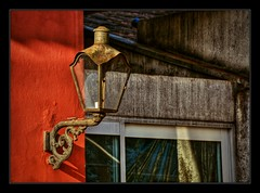 D71_4689z1 (A. Neto) Tags: d7100 nikon nikond7100 sigmadc18250macrohsmos color architecture details lamp old rusty morretes
