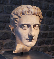IMG_6216 (jaglazier) Tags: 1stcentury 1stcenturyad 2016 3098 30ad98ad 9698 96ad98ad adults cologne copyright2016jamesaglazier crafts emperor emperors germany heads imperial kings koln kln marble marcuscocceiusnerva marcuscocceiusnervacaesaraugustus men museums nerva portraits roman romangermanicmuseum rmischgermanischesmuseum september stonesculpture stoneworking archaeology art busts sculpture