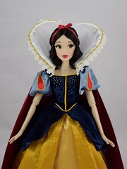 Shanghai Disney LE Snow White Doll - eBay Purchase - Deboxed - Standing - Midrange Front View (drj1828) Tags: shanghaidisneyresort disneyparks le1200 limitededition snowwhite snowwhiteandthesevendwarfs 17inch doll posable collectible grandopening ebay purchase deboxed