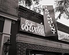 Paramount Studio Cocktails (Pete Zarria) Tags: southdakota bar restaurant drinks beer whiskey neon sign city urban