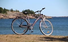 Merikatu (Debarshi Ray) Tags: blue sea summer beach water canon finland baltic bicycles shore hanko merikatu canoneos70d