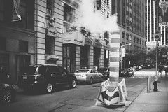 hot steam (Robbi_An) Tags: street nyc newyorkcity ny newyork sony nokton voigtländer schwarzundweiss vollformat vsco sonya7 sonya7ii ilce7m2 voigtländernokton35mmf14classic