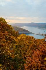 Edersee (gerrizell) Tags: autumn sunset lake leaves germany sonnenuntergang hessen herbst bltter klippen kanzel edersee kellerwald urwaldsteig