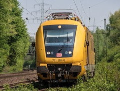 06.05.2015 Grne Hlle Ruhrgebiet. Gelsenkirchen Almastrasse. DB 711 118 Gelsenkirchen (ruhrpott.sprinter) Tags: railroad train germany de deutschland ic essen diesel outdoor eisenbahn rail zug 11 db 101 111 passenger re 711 sbahn fret signal ruhrgebiet rb dortmund freight grne vt coils 403 mnster locomotives oberhausen mller 401 herne rheingold acts hlle 152 lokomotive 143 trainart 146 wanneeickel sprinter ruhrpott gter 425 verein 1701 vps steuerwagen touren schalker reisezug abellio reisezugwagen rurtalbahn ellok almastrasse