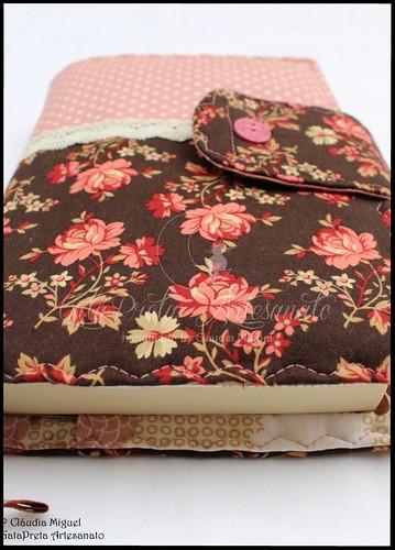"""Capa de livros """"Antique Flowers"""""""