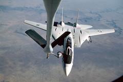 Rene Francillon Collection Image (San Diego Air & Space Museum Archives) Tags: aviation aircraft airplane militaryaviation navalaviation unitedstatesnavy usnavy usn grumman grummanf14tomcat grummanf14 f14tomcat grummantomcat f14 tomcat grummanf14atomcat grummanf14a f14atomcat f14a prattwhitney prattwhitneytf30 tf30 aerialrefueling kc135