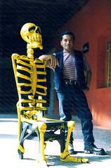 Silla Calavera 1 (El Volador S.A.) Tags: muertos cartoneria mexico elvolador volador calaveras calacas