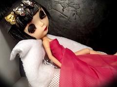 Blythe-a-Day November#22: Dreaming&#28: Accessories: LaVern La Rue