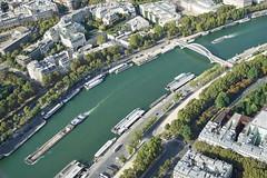 Paris Eiffel on the Top 12.9.2016 3813 (orangevolvobusdriver4u) Tags: fluss river seine 2016 archiv2016 france frankreich paris eiffel turm eiffelturm tower eiffeltower tour toureiffel