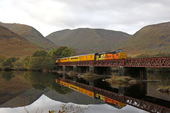37219 - Oban-Fort William test train (Andrew Edkins) Tags: lochawe 37219 37421 colasrail dalmally scotland water refelction testtrain tractor syphon class37 topandtailed geotagged canon uk growler railwayphotography mountains october winter 2016 diesel englishelectric networkrail obanfortwilliam cloud branch