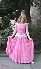 Sweet Princess (Aurotiana) Tags: disneyland disneycharacters disneyprincess sleepingbeautyscastle sleepingbeauty briarrose disneyprincessaurora fantasyland