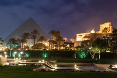 Mena House Hotel (stefan_fotos) Tags: afrika architektur hotel kairo licht menahouse nacht pyramide qf reisethemen urlaub hq gypten cairo egypt africa mena house giza