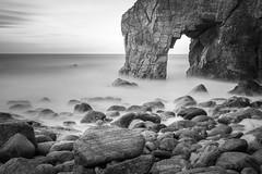 Arche de Port Blanc @ Saint Pierre De Quiberon (56) (benoit.charbonneau56) Tags: long exposure longexposure pose longue poselongue morbihan quiberon cote sauvage bretagne noiretblanc