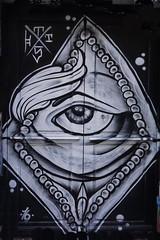 Woman of Paris or keep an eye on them (Marco Braun) Tags: streetart graffiti paris 2016 frau woman femme schwarz noire weiss white blanche auge eye francefrankreich