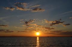Nubes de la Albufera (Trix: Pierre qui roule .......) Tags: nwn nubes martes albufera valencia elpalmar maryvonne atardecer puestadesol
