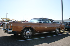 Lincoln Continental (xwattez) Tags: auto old france car automobile market parking continental voiture american lincoln transports simply ancienne mkiii 2015 vhicule rassemblement amricaine launaguet