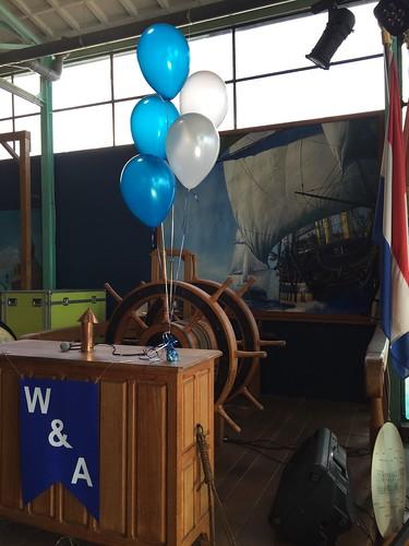 Tafeldecoratie 5ballonnen Stichting de Delft Rotterdam